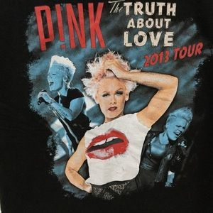 Pink 2013 Concert Tour T Shirt Size Medium
